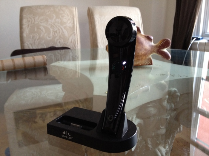 Good Call iG1 bluetooth iPhone handset and Docking Station close up